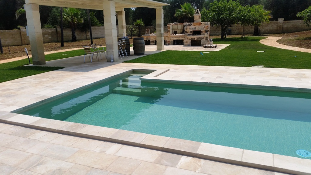 Intonaco resina sabbia private location sys piscine for Piscina resina