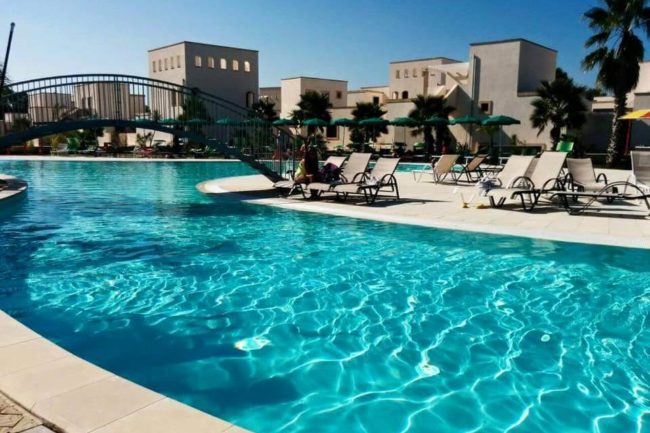 Piscina a Sfioro – La Brunese Resort