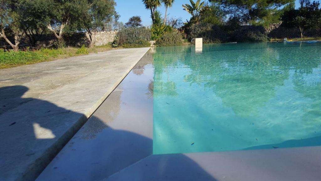 Sys piscine piscina a sfioro masseria musci 04 sys piscine for Piscine 04