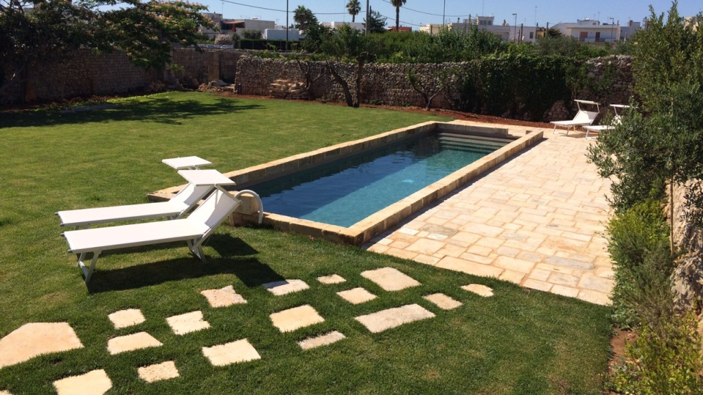 Sys piscine private location piscina pz 04 sys piscine for Piscine 04